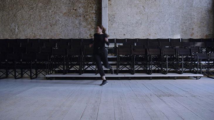 Κομμώτριες - Μεταπολίτευση στο θησείον Ένα Θέατρο για τις Τέχνες